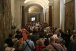The crowd at the Vatican museum